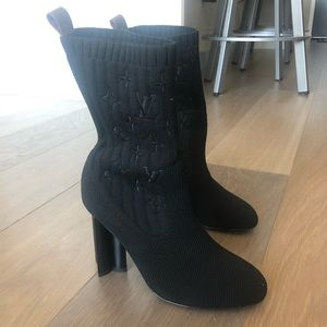 NWOT LV silhouette ankle boot black size 35